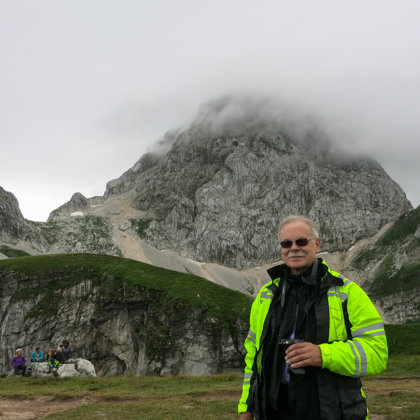Aiz muguras Mangart kalns, Slovēnija
