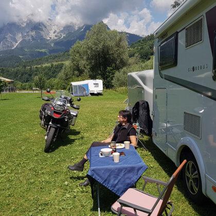 Pusdienas pirms brauciena uz Lihtenšteinas aizu