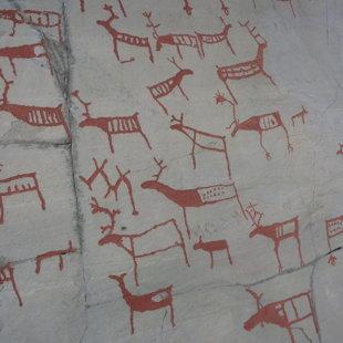 Seno akmens laikmeta cilvēku gleznojums uz klints Altā, Norvēģijā