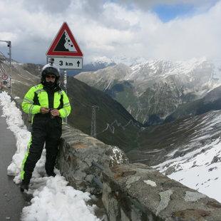 Passo dello Stelvio (Itālijā, pie Šveices robežas)
