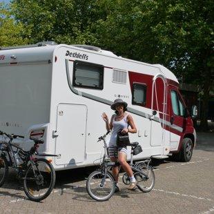 Izbraucam ar velosipēdiem uz Markenas pussalu Holandē